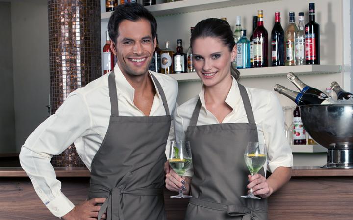 Odzież dla gastronomii, fartuchy i kurtki kucharskie, odzież dla kelnerów i restauratorów.