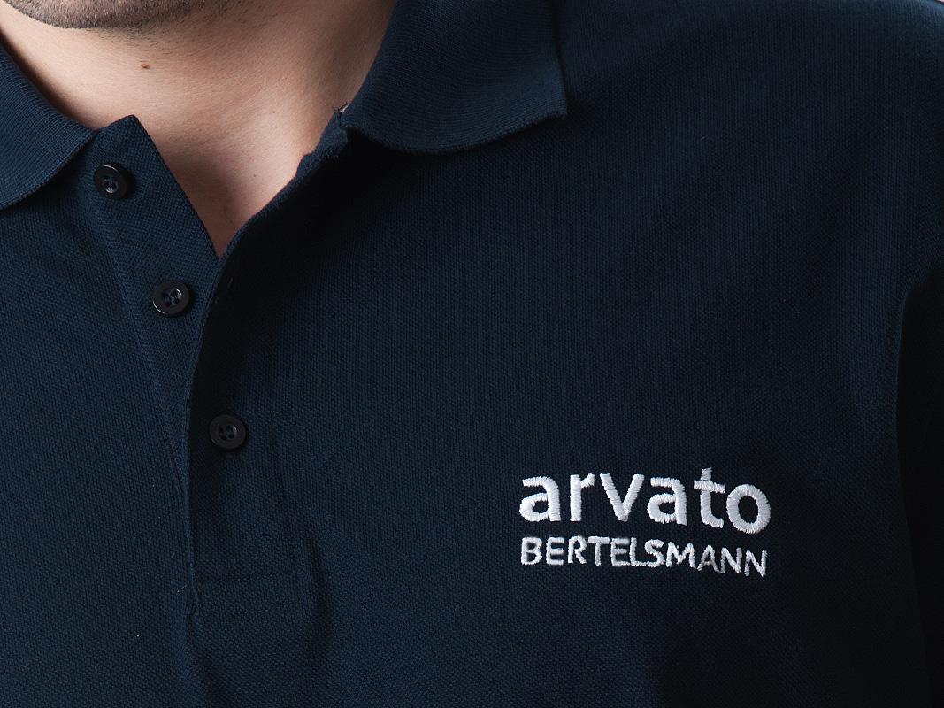 Haft komputerowy na koszulkach polo dla Arvato