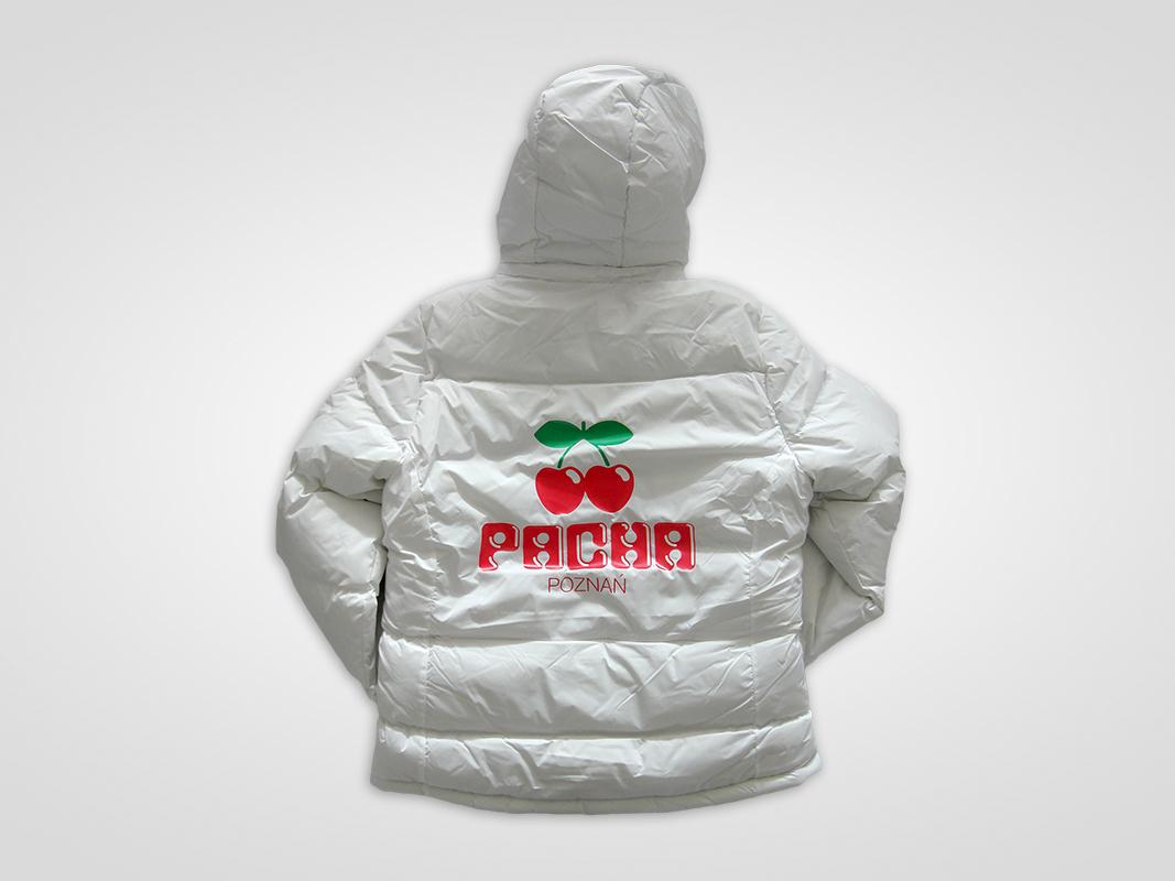 Flex Lateksowy na kurtkach pikowanych dla Pacha Poznań