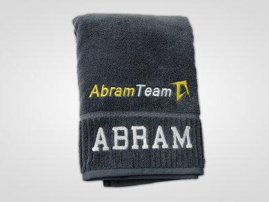 Haft komputerowy na ręcznikach dla Abram Team