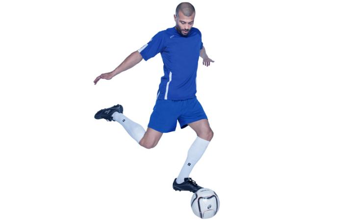 Odzież piłkarska dla sportowców i amatorów. Koszulki, spodenki i stroje piłkarskie ze znakowaniem.