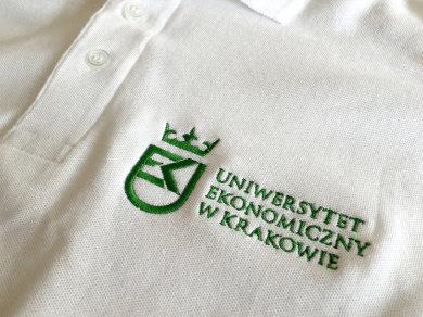 Haft komputerowy na koszulkach polo dla Uniwersytetu Ekonomicznego w Krakowie