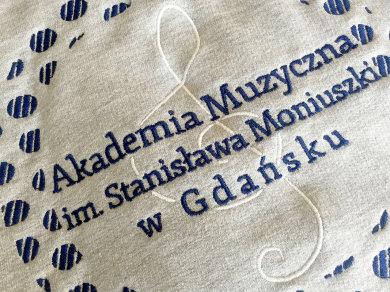 Haft komputerowy na bluzach dla Akademii Muzycznej im. Stanisława Moniuszki w Gdańsku