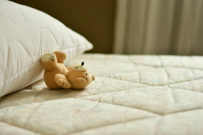 kubek-z-wlasnym-nadrukiem-foto-poduszka-jak-zlecic-wlasny-nadruk